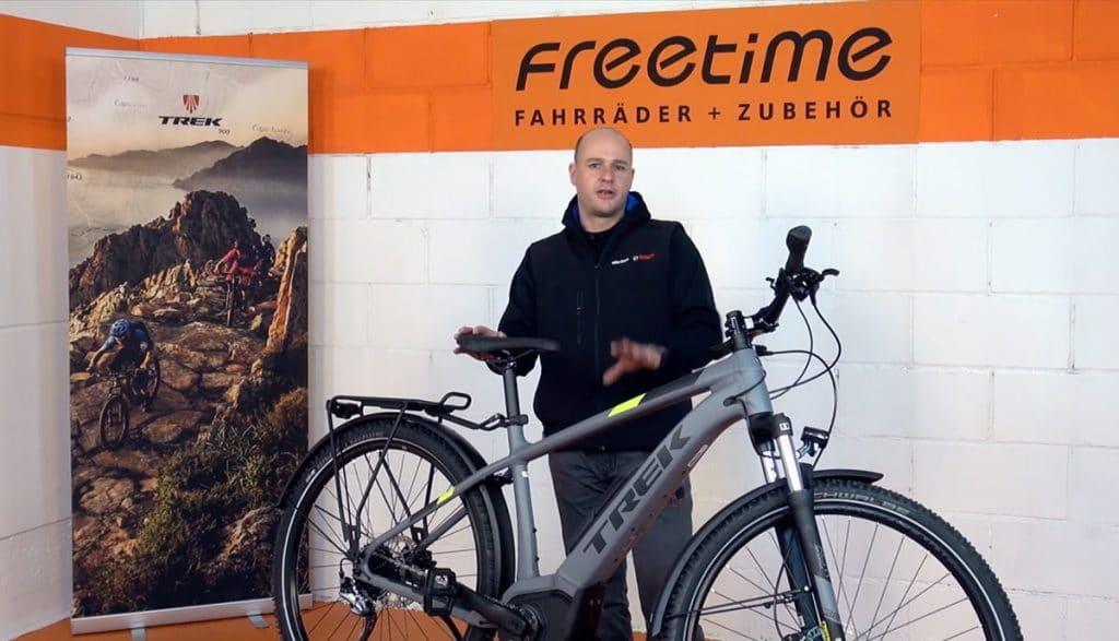 Thorsten vom Freetime Team stellt das Trek Powerfly vor