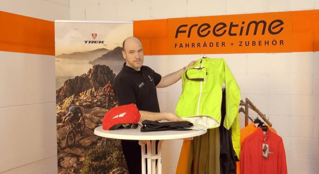 regenbekleidung bei freetime fahrraeder und zubehoer
